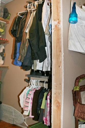 closet hanging space